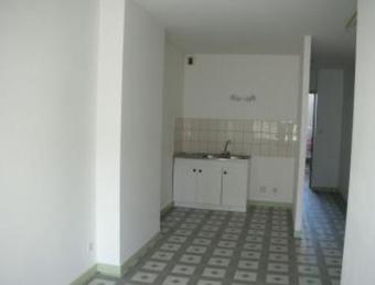 Location Appartement 1 pièce 38m² Luxeuil-les-Bains (70300) - photo