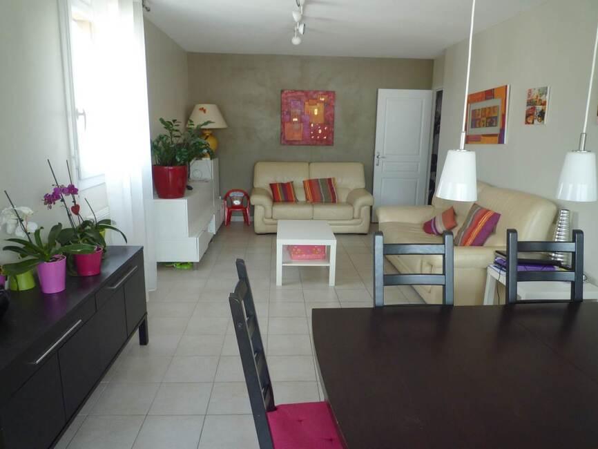 vente appartement 4 pi ces grenoble 38100 430355. Black Bedroom Furniture Sets. Home Design Ideas