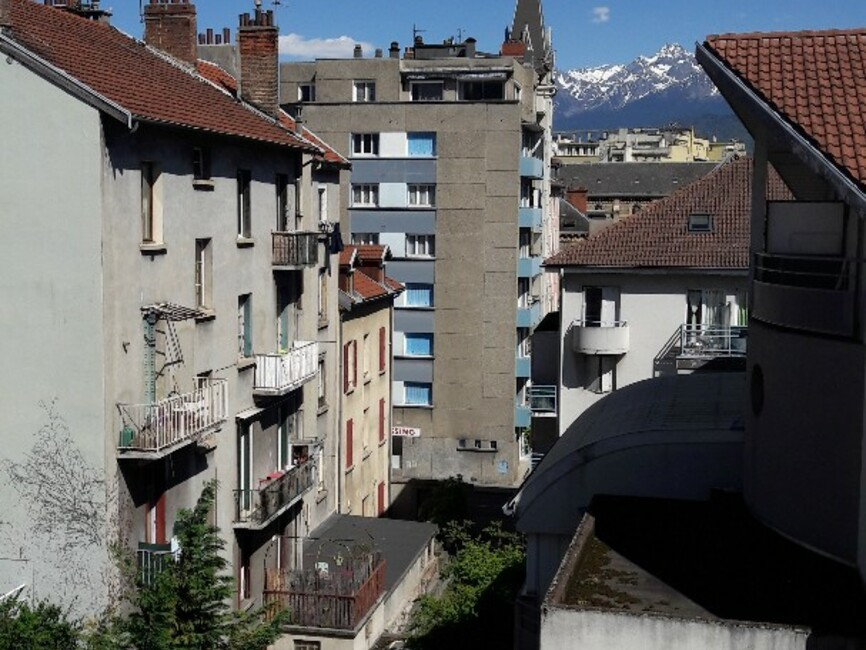 Location appartement 1 pi ce grenoble 38000 25857 for Location meublee grenoble