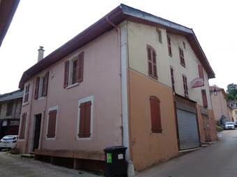 Vente Maison 15 pièces 280m² Saint-Geoire-en-Valdaine (38620) - photo