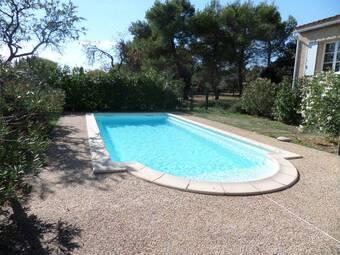 Location Maison 5 pièces 115m² Cabrières-d'Avignon (84220) - Photo 1