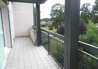 Location Appartement 3 pièces 71m² Saint-Bonnet-de-Mure (69720) - Photo 1