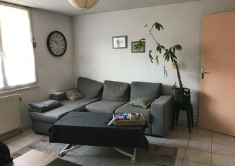 Renting Apartment 2 rooms 52m² Luxeuil-les-Bains (70300) - photo