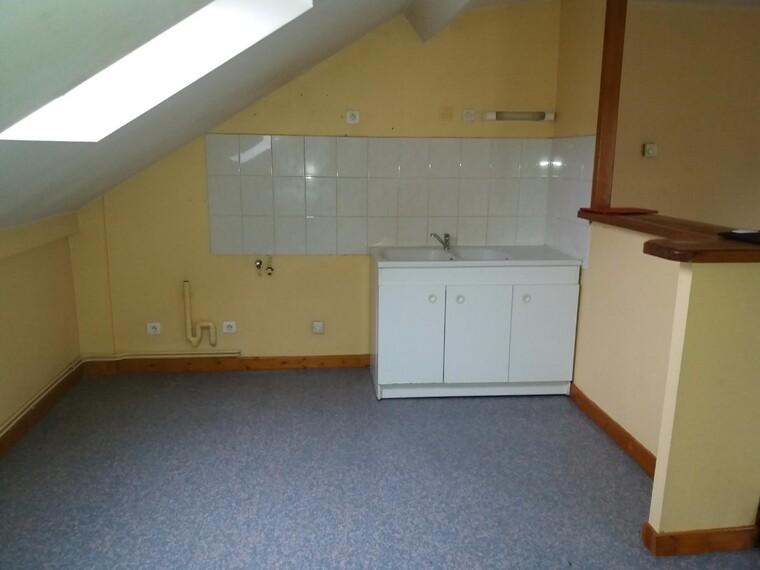 Location Appartement 3 pièces 78m² Cours-la-Ville (69470) - photo