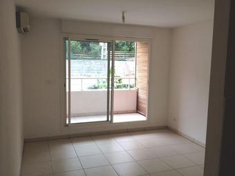 Location Appartement 1 pièce 24m² Sainte-Clotilde (97490) - photo