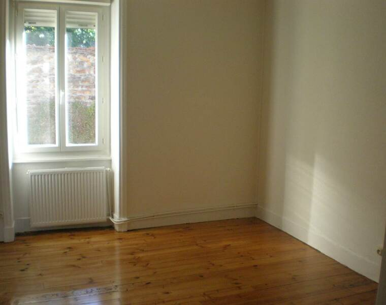 Location Appartement 3 pièces 67m² Bourg-de-Thizy (69240) - photo