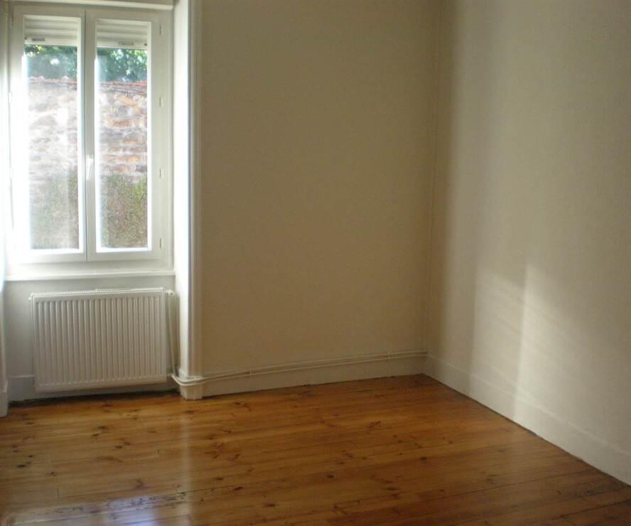 Location Appartement 3 pièces 67m² Bourg-de-Thizy (69240) - photo
