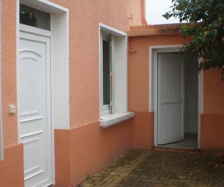 Location Maison 4 pièces 76m² Cours-la-Ville (69470) - photo