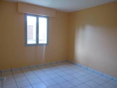 Location Maison 5 pièces Billom (63160) - Photo 8