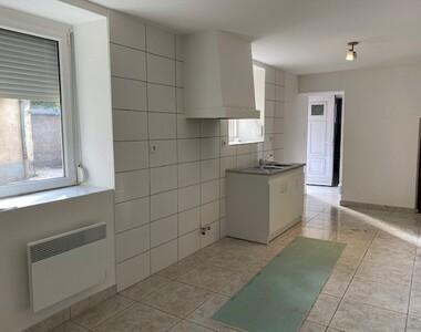 Renting Apartment 2 rooms 53m² Lure (70200) - photo