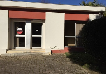 Renting Office 4 rooms 45m² Agen (47000) - photo