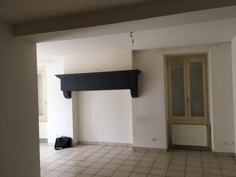 Location Appartement 3 pièces 63m² La Clayette (71800) - photo 2