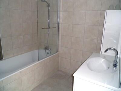 Location Maison 5 pièces 113m² Bellegarde-en-Forez (42210) - Photo 7