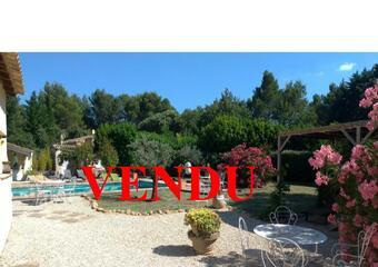 Sale House 8 rooms 240m² Lauris (84360) - Photo 1