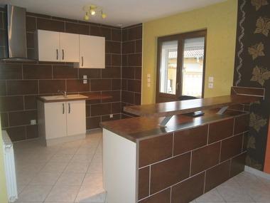Location Appartement 4 pièces 132m² Mont-lès-Neufchâteau (88300) - photo