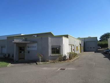 Location Local industriel 922m² Saint-Laurent-de-Mure (69720) - photo