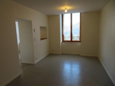Location Appartement 47m² Billom (63160) - Photo 5