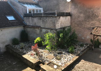 Renting Apartment 1 room 28m² Luxeuil-les-Bains (70300) - photo