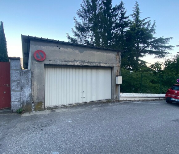Vente Garage 26m² La Tronche (38700) - photo