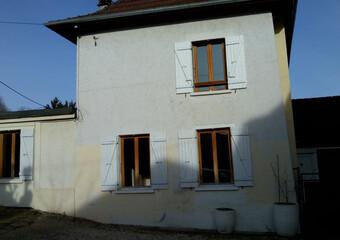 Location Maison 4 pièces 92m² La Bâtie-Montgascon (38110) - Photo 1