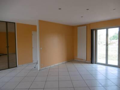 Location Maison 5 pièces Billom (63160) - Photo 3
