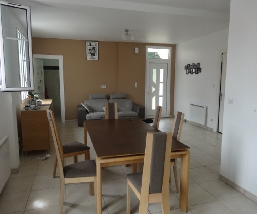 Location Appartement 4 pièces 96m² Cambo-les-Bains (64250) - photo