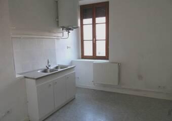 Location Appartement 3 pièces 61m² Saint-Bonnet-le-Château (42380) - Photo 1