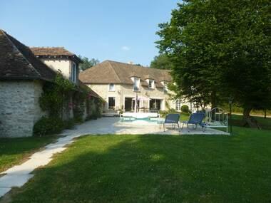 Sale House 10 rooms 450m² Bréval (78980) - photo