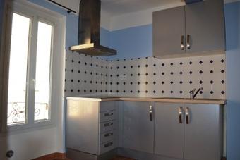 Location Appartement 1 pièce 41m² Jouques (13490) - photo