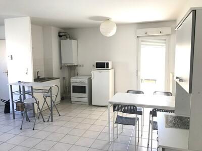 Location Appartement 3 pièces 66m² Saint-Étienne (42100) - Photo 2