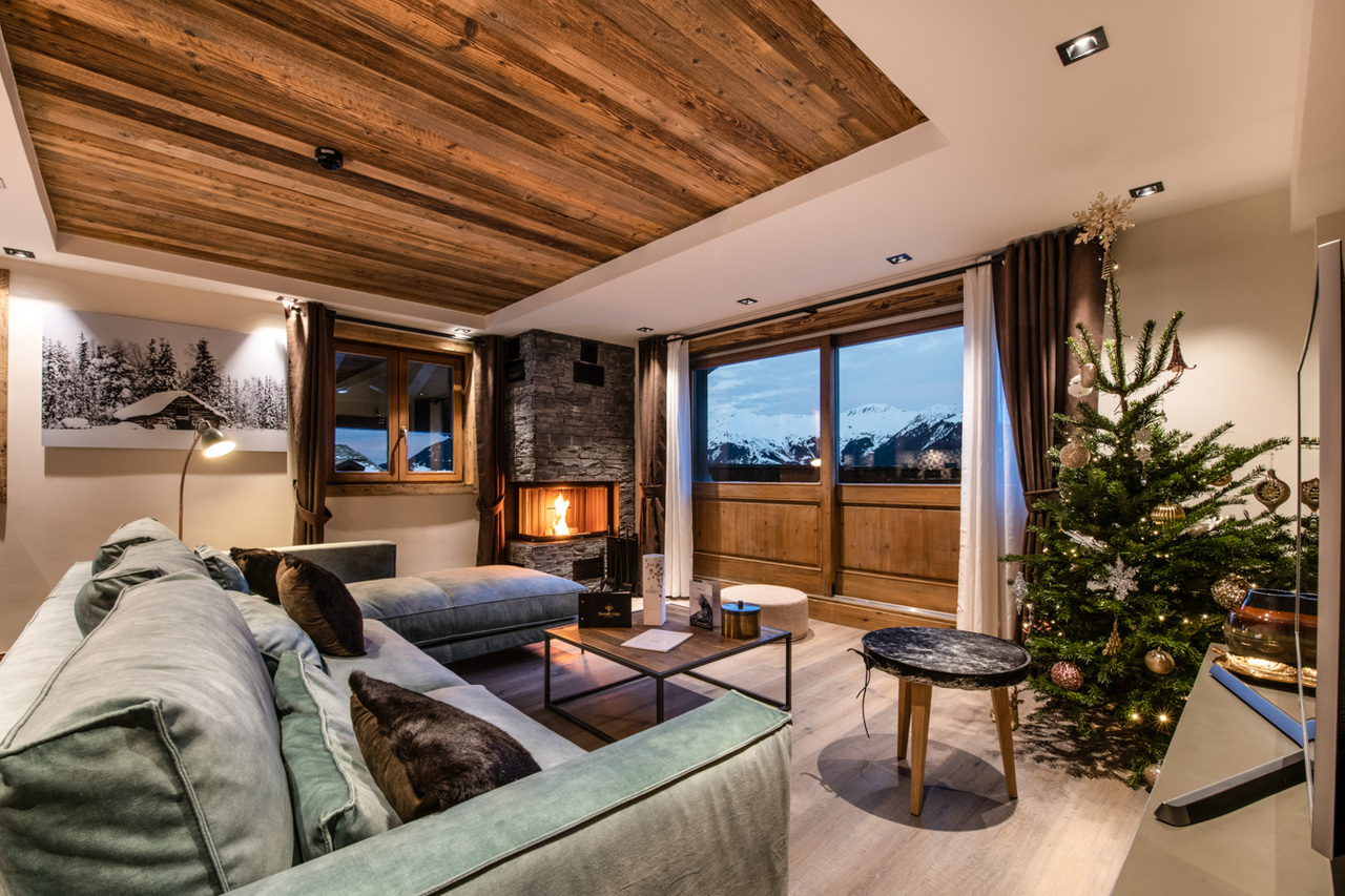 SUPERB APARTMENT WITH IMMENSE TERRACE Chalet in Courchevel