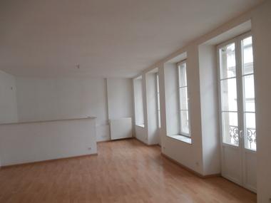 Sale Apartment 3 rooms 78m² 20 MIN DE LUXEUIL - photo