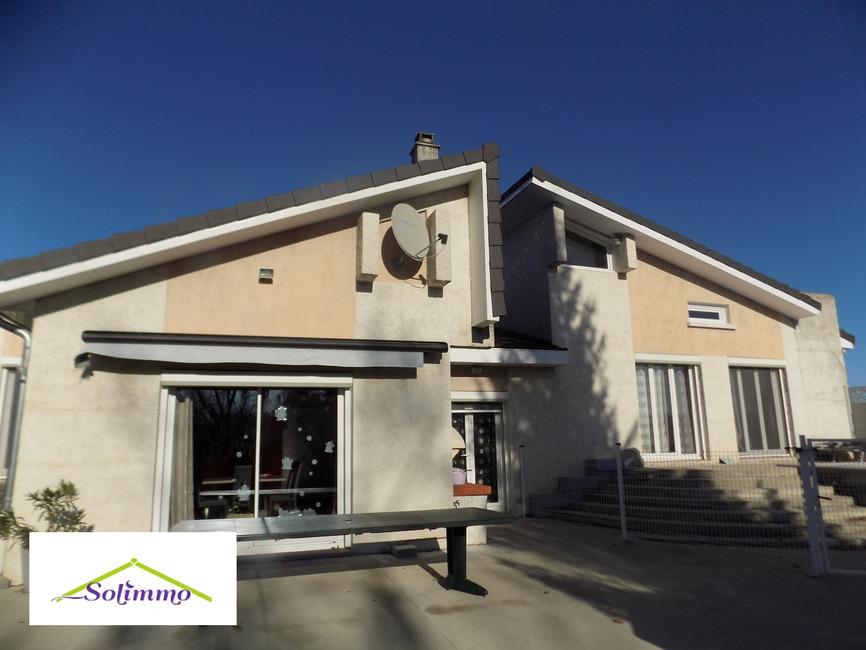 Vente Maison 7 pièces 140m² Saint-Didier-de-la-Tour (38110) - photo