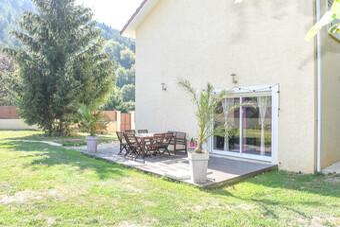Sale House 7 rooms 160m² Oyeu (38690) - photo