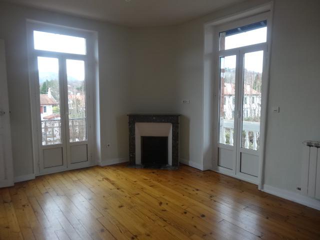 Location Appartement 3 pièces 55m² Cambo-les-Bains (64250) - photo