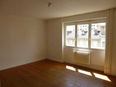Location Appartement 2 pièces 37m² Saint-Étienne (42100) - photo