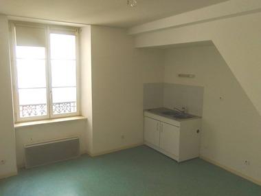 Location Appartement 1 pièce 19m² Neufchâteau (88300) - photo