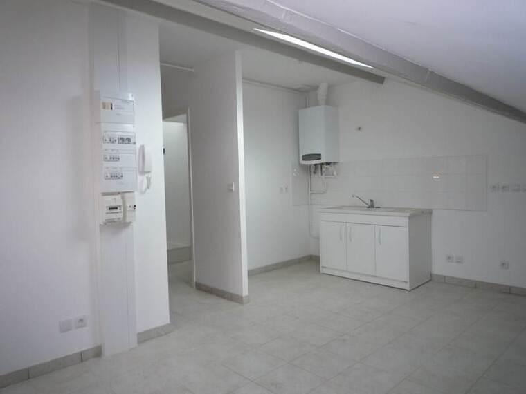 Location Appartement 33m² Cours-la-Ville (69470) - photo