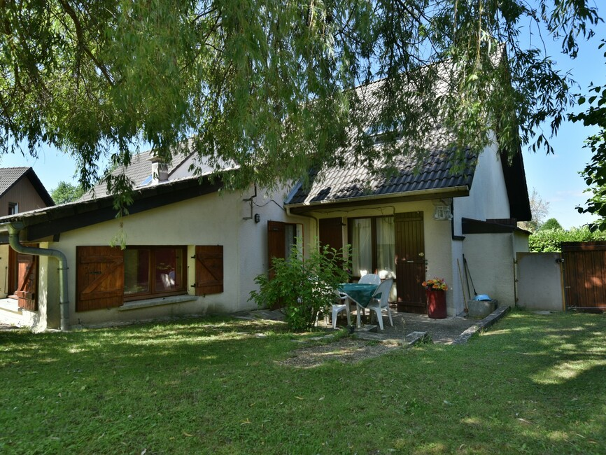vente maison cranves sales 74380 393834. Black Bedroom Furniture Sets. Home Design Ideas