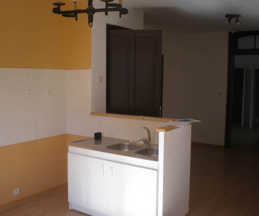 Location Appartement 2 pièces 42m² Bourg-de-Thizy (69240) - photo