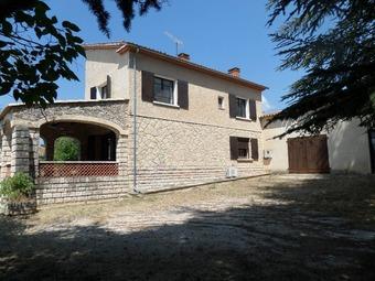 Vente Maison 10 pièces 277m² Saint-Saturnin-lès-Apt (84490) - Photo 1