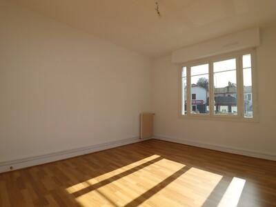 Location Appartement 3 pièces 74m² Pau (64000) - Photo 7