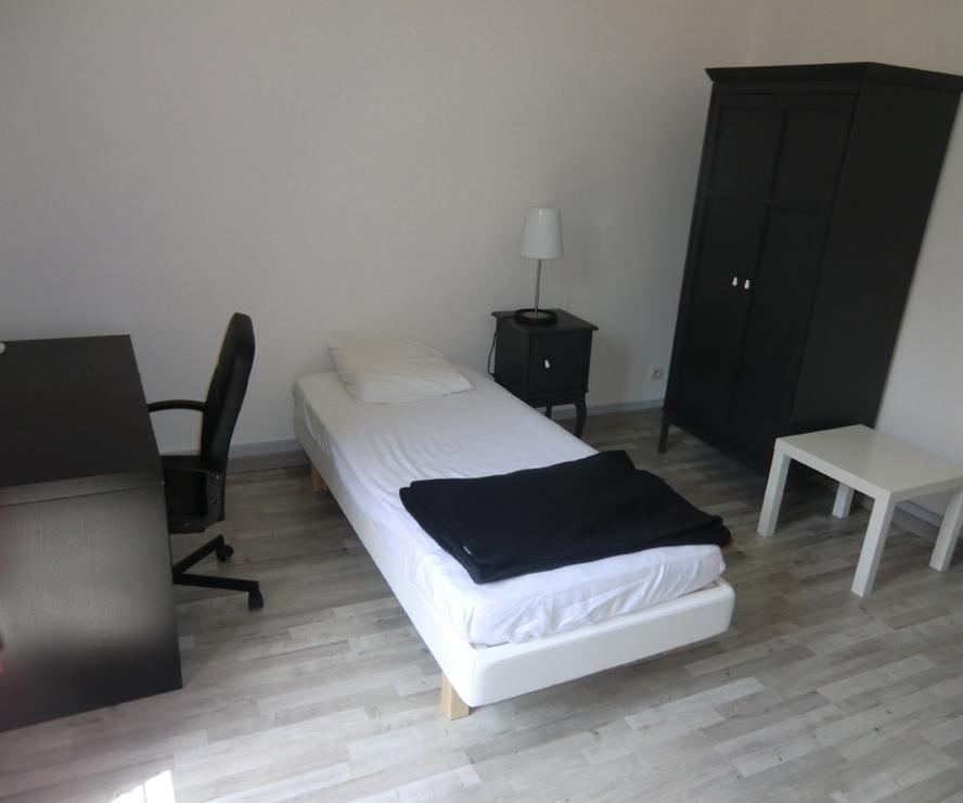 location appartement 2 pi ces grenoble 38000 298879. Black Bedroom Furniture Sets. Home Design Ideas