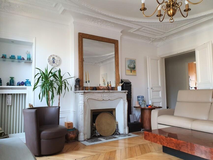 Sale Apartment 4 rooms 104m² Paris 10 (75010) - photo
