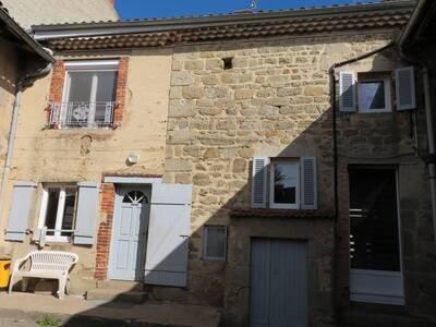 Vente Maison 5 pièces Saint-Dier-d'Auvergne (63520) - photo