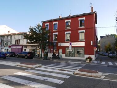Location Local commercial 2 pièces 43m² Tassin-la-Demi-Lune (69160) - photo
