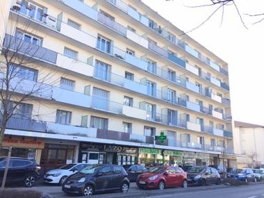 Location Local commercial 3 pièces 51m² Thonon-les-Bains (74200) - photo
