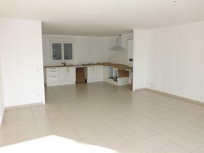 Location Appartement 4 pièces 111m² Saint-Priest-en-Jarez (42270) - Photo 3