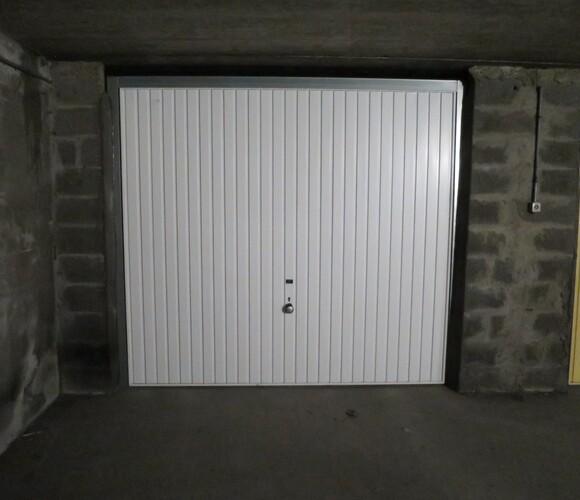 Location Garage 13m² Grenoble (38000) - photo