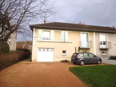 Location Maison 3 pièces 65m² Saint-Yorre (03270) - photo